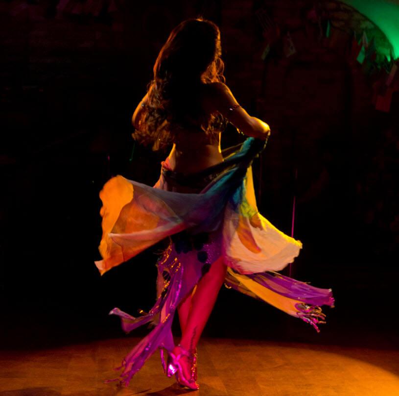 Tìm chỗ dạy học kèm múa bellydance thiếu nhi chất lượng cao tại tphcm - Magazine cover