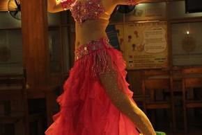 Hình ảnh Tiết mục Bellydance với đạo cụ fanveil - SaiGon Bellydance múa bụng ấn độ