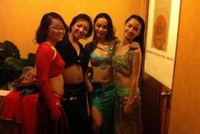 """Hình ảnh """"Drum move"""" vui nhộn cùng Ms.Hòa và Ms.Trâm - SaiGon Bellydance múa bụng ấn độ"""
