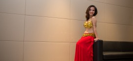 Hình ảnh Trang phục màu vàng kết hợp họa tiết hoa - SaiGon Bellydance múa bụng ấn độ