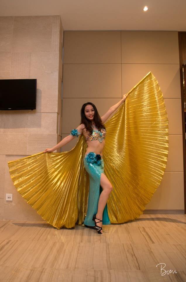 Hình ảnh Trang phục màu xanh kết hợp họa tiết hoa - SaiGon Bellydance múa bụng ấn độ